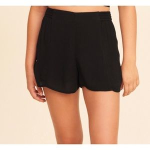 Hollister- Woven Black Shorts🖤NWT